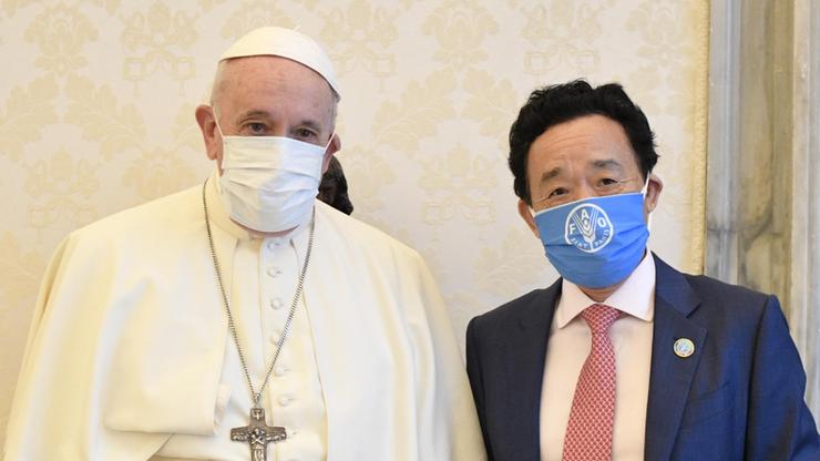 Papież w maseczce podczas spotkania z dyrektorem generalnym ONZ