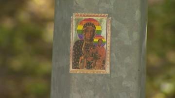 """Ruszył proces ws. """"tęczowej"""" Matki Boskiej. Kobiety są oskarżone o obrazę uczuć religijnych"""