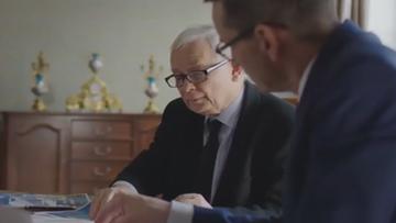 Kaczyński komplementuje: jest w partii od niedawna i budzi emocje