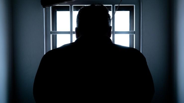 Kary więzienia dla zakażonych, którzy nie poddadzą się leczeniu