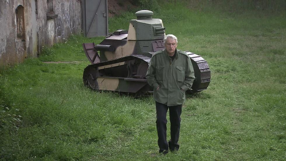 Tajna historia XX w. - Tajna misja starego czołgu